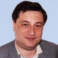 Эдуард Матвийчук начал раздавать продпакеты, хоть еще не определился с избирательным округом