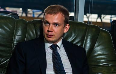 Одним из спонсоров ЮВТ является Сергей Курченко - 14 млн $ в месяц