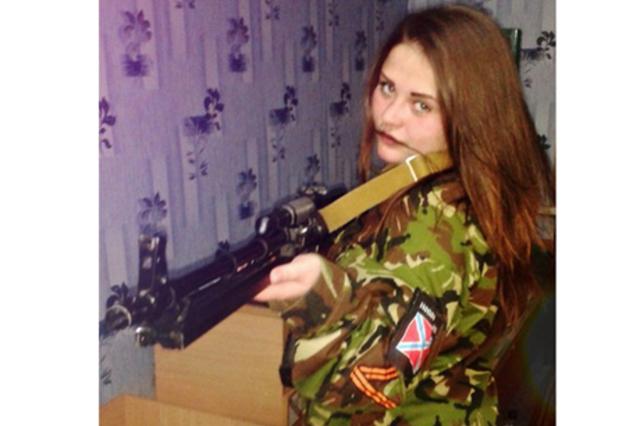 На Донетчине спецслужбы выловили 19-летнюю снайпершу, которая убила более 10 украинских бойцов