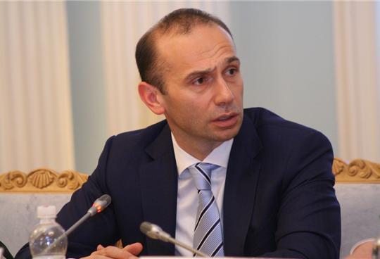 Судья ВХСУ А.Емельянов стал на сторону строительного гипермаркета, который СБУ заподозрила в финансировании терроризма