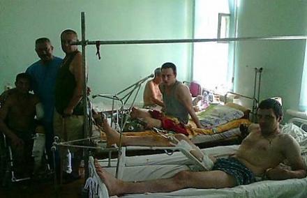"""Обрубков """"ДНР"""" выкидывают на улицу! Боевики закрыли военный госпиталь"""