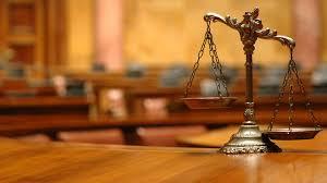 В Черновцах пьяный судья сбежал от патруля через черный ход ресторана