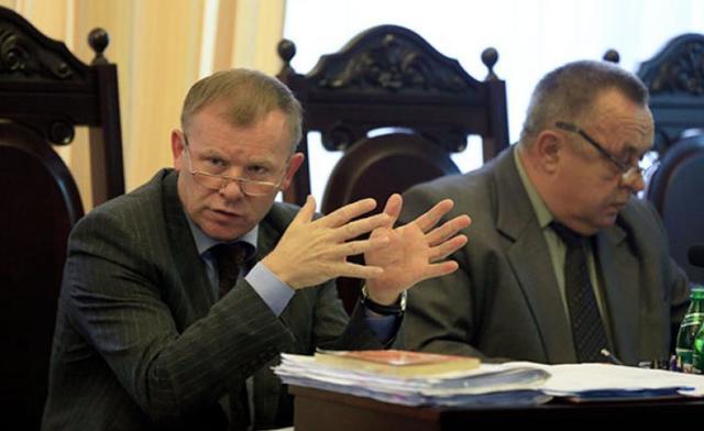 """Судья Хозсуда Киева задекларировал """"BMW X5"""", которое стоит как 15 его годовых зарплат"""