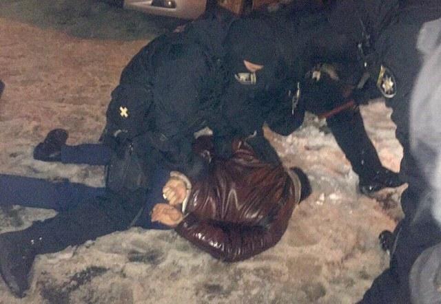 Полицейские попались на краже коллекции монет у главреда Левого берега