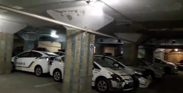 Скандал с кладбищем полицейских «Приусов» набирает обороты