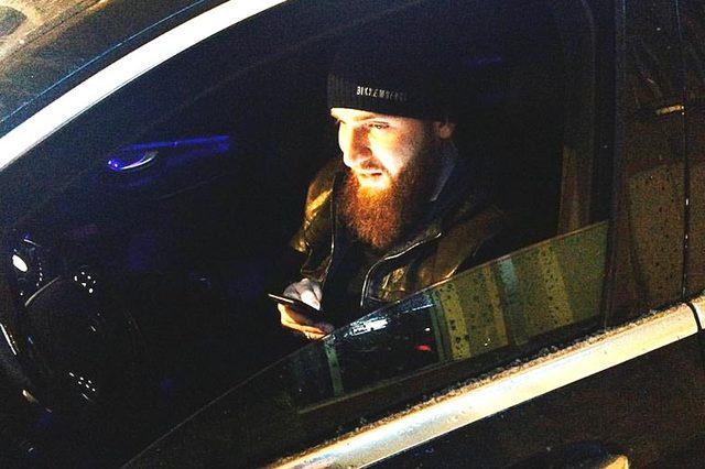 Чеченские бойцы устроили гонки на BMW M5 в Москве