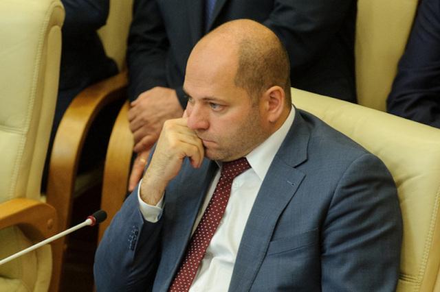Суд приказал уничтожить диплом депутата Гаффнера, советовавшего «меньше питаться»