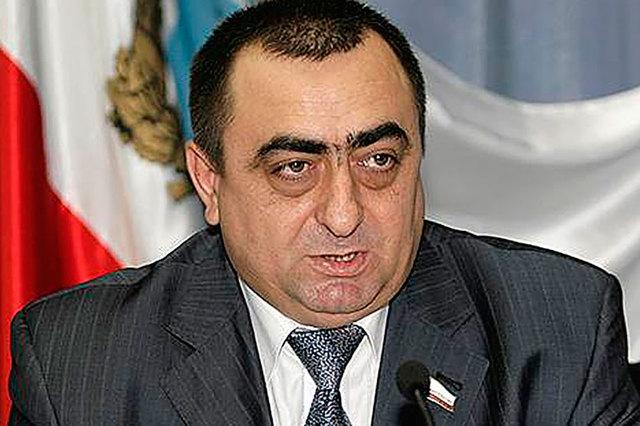 Обвиняемый в хищении 1,5 млрд рублей экс-глава консервного завода начал «сдавать» подельников из высшего руководства ФСИН