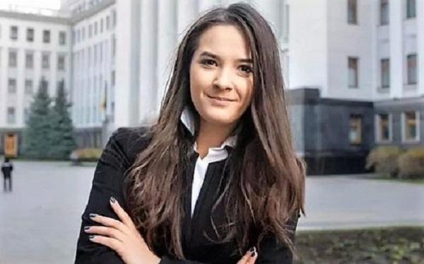 Наталья Бойко: залог карьеры замминистра – влиятельные папики и папочка