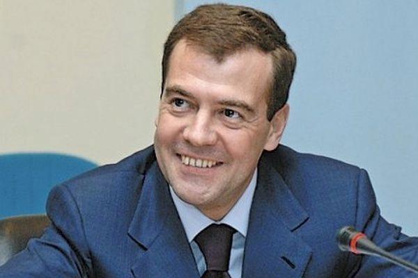 Медеведев прокомментировал фильм Навального и акции протеста