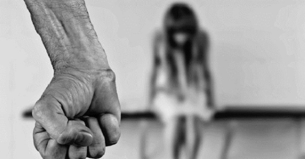 Сельский парень изнасиловал девушку-подростка