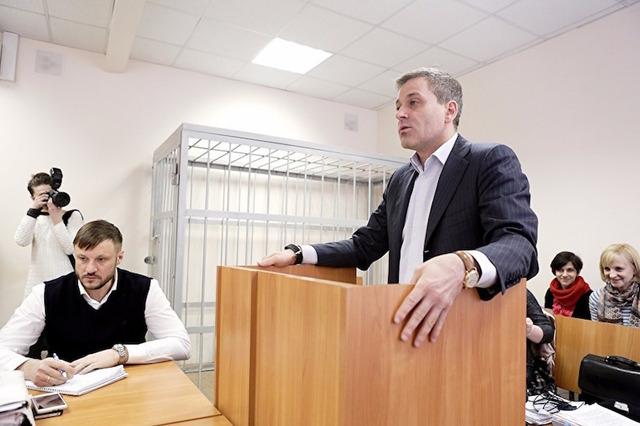 «Это безумие какое-то!». Подсудимый экс-сенатор Цыбко дал показания по делу Сандакова