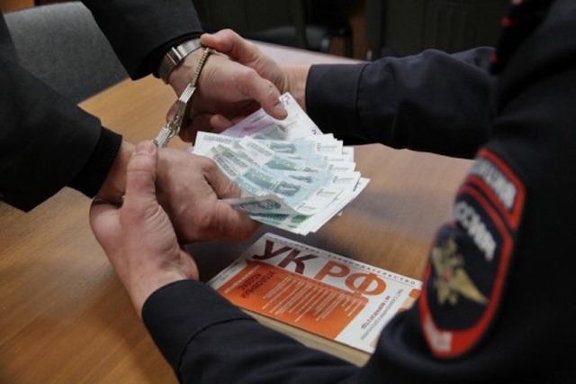 Смертную казнь нужно ввести не для террористов, а для коррупционеров из сферы миграционного контроля, считает генерал-майор ФСБ