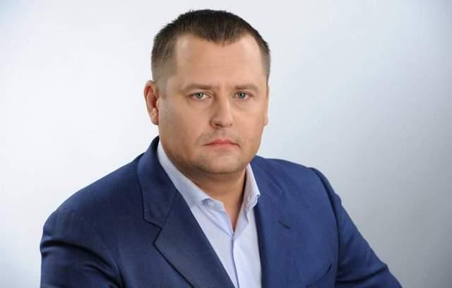 """""""Он просто животное"""": мэр Днепра жестко отреагировал на оскорбительный """"безвизовый"""" жест нардепа"""