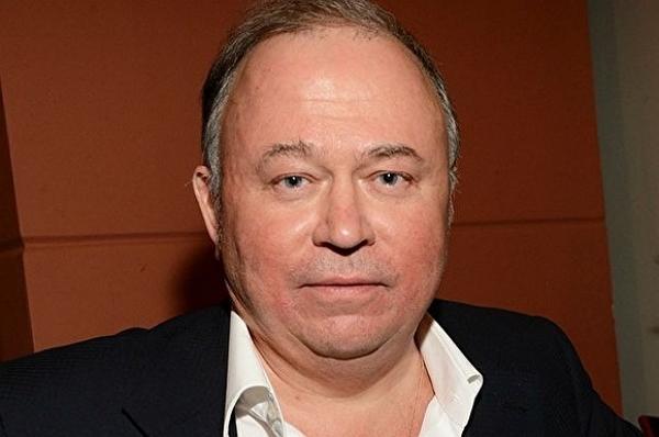 Известный журналист Андрей Караулов выпустил сенсационный фильм, посвящённый попытке рейдерского захвата компании Холодильник.ру
