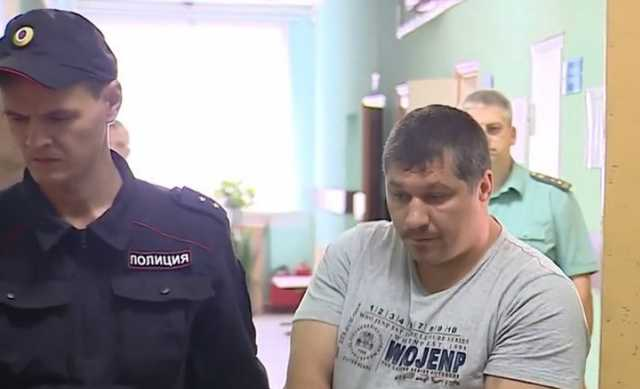 Появилось видео начала конфликта, в котором пьяный майор полиции отправил подростка в кому