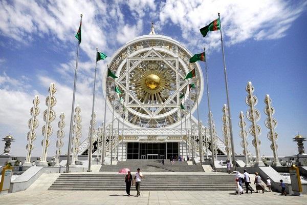Почему Туркменистан переживает экономический кризис
