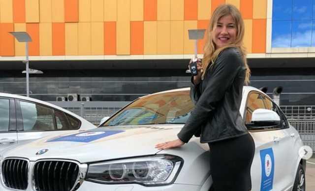 Олимпийский призер решила продать подаренный Путиным автомобиль