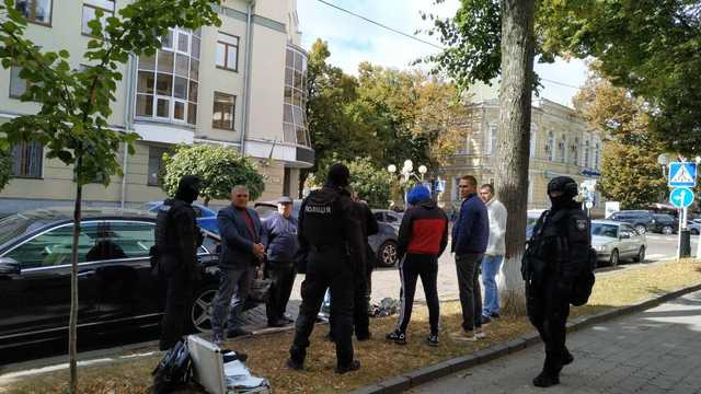 В Полтаве задержан вооруженный главарь армянской общины