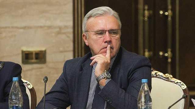 Саша-Качнуть-Права. Скандальный губернатор Усс – мультимиллионер и хозяин лысой тайги, «вытирающий ноги об Путина»