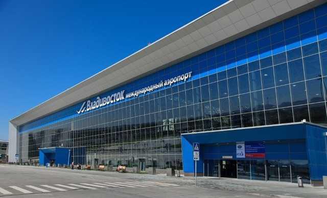 В аэропорту Владивостока задержали пьяного мужчину с боеприпасами