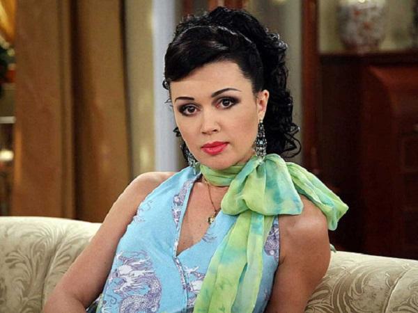 Анна Заворотнюк была «готом»: стало известно, как дочь актрисы «попила маминой крови»