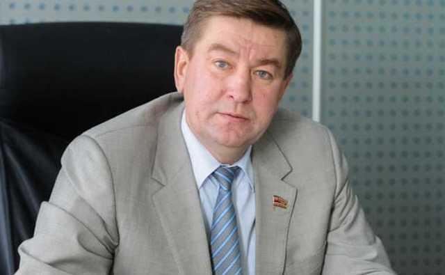 Люди в масках ворвались в квартиру депутата Заксобрания Челябинска