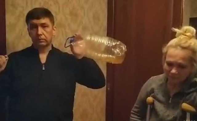 Облившему себя и пристава бензином россиянину сократили часть долга