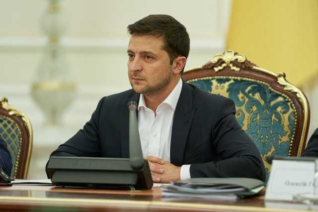 СМИ: Зеленский намекнул, что к протестам против рынка земли причастен Коломойский