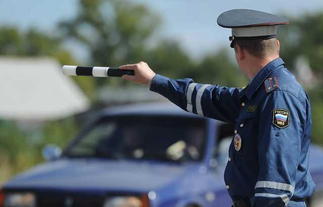 Глава района Псковской области на камеру обматерил сотрудника ГИБДД