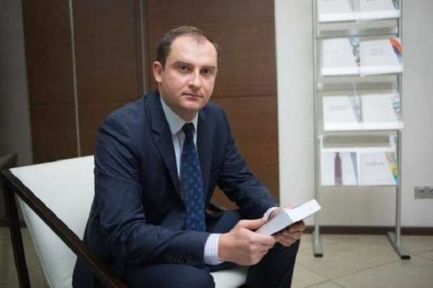 Как глава ГНС Сергей Верланов и глава ГТС Максим Нефедов провернули гигантскую автомобильную аферу