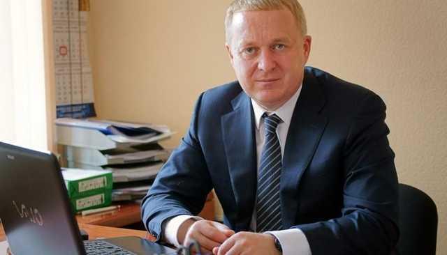 Имущество на 25 млн рублей – за 2 года (на зарплату доцента). Советник губернатора Текслера Олег Дубровин снова отличился