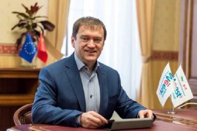Львовский уголовник и криминальный авторитет Ростислав Кисиль гигантскими потоками ввозит контрабанду в Украину