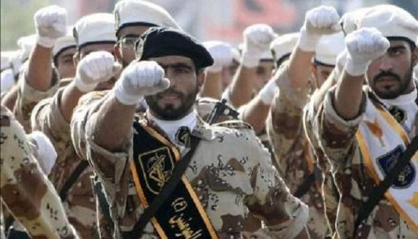 КСИР: коррумпированные фанатики, раздувающие костер войны