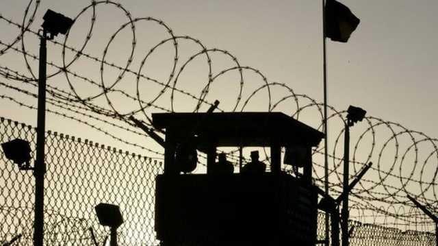В «образцовой» 25-й колонии арестанта подвергли сексуальному насилию и развели на теле костер