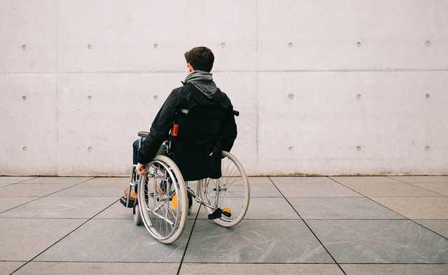 В Николаеве подростки-садисты изнасиловали парня с инвалидностью