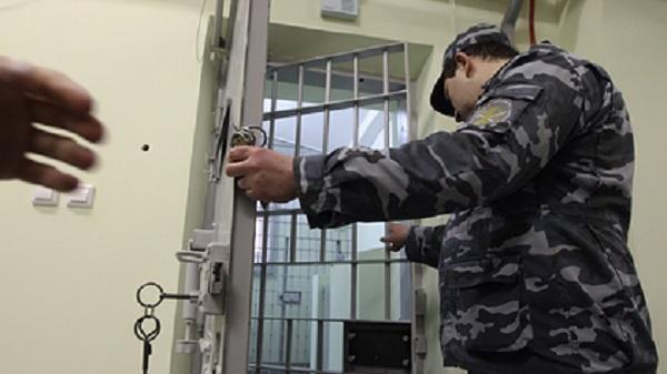 Арестованный за угон машины российский подросток умер в СИЗО