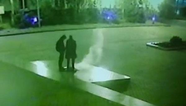 Двое россиян получили по два года тюрьмы за потухший Вечный огонь