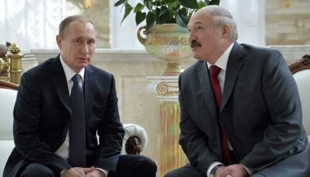 Bloomberg: Путин решил провести конституционную реформу из-за отказа Лукашенко объединиться с Россией