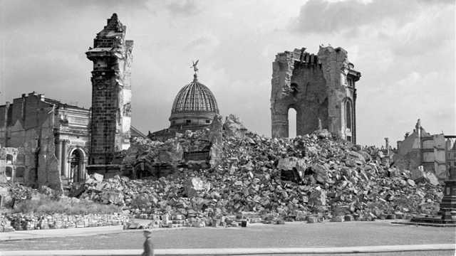 Первый канал в сюжете о разрушении Дрездена повторил геббельсовский миф о «мирном городе»