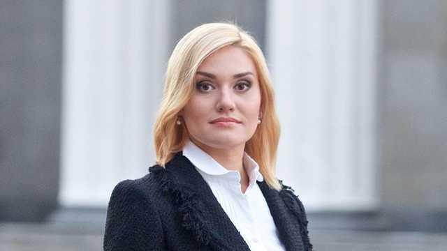 Острикова, претендующая на замминистра финансов, тесно связана с фигурантом уголовных производств
