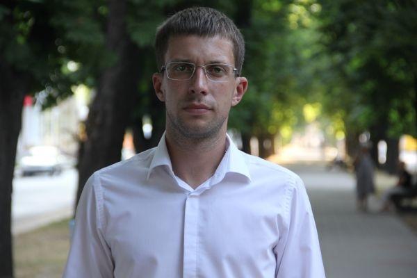 Депутат Арсенюк купил за непонятные деньги элитный автомобиль