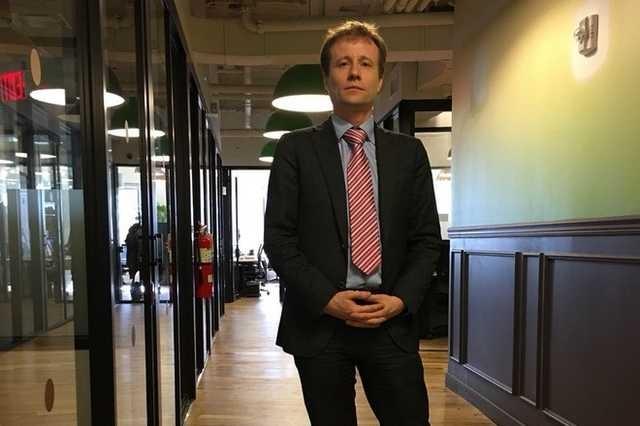 «Он обманул сотни доверчивых граждан!»: жертвы международного афериста Юрия Моши записали обращение