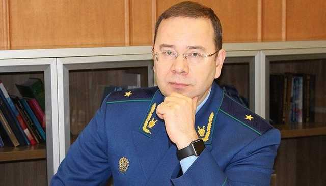 Прокурор Дагестана расслабляется в Крыму с бывшей женой прокурора Москвы