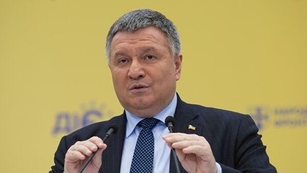 Зачем Авакову потребовались дефолт и запрет вывоза валюты из Украины?