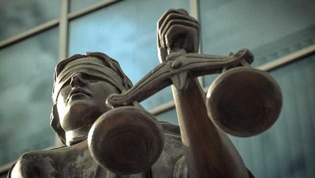 В Мелитополе налоговик отделался штрафом за взятки и торговлю секретной информацией