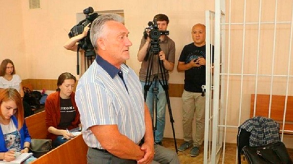 Российские чиновники решили сэкономить и отдали миллионы банкроту