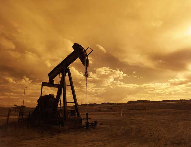 Колосс на нефтяных ногах. Российская экономика менее устойчива к падению нефтяных цен, чем кажется