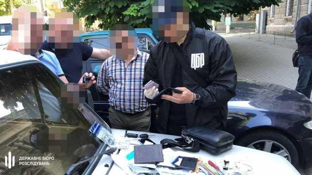 В Николаеве задержали офицера СБУ: он вымогал 10 тонн зерна в качестве взятки