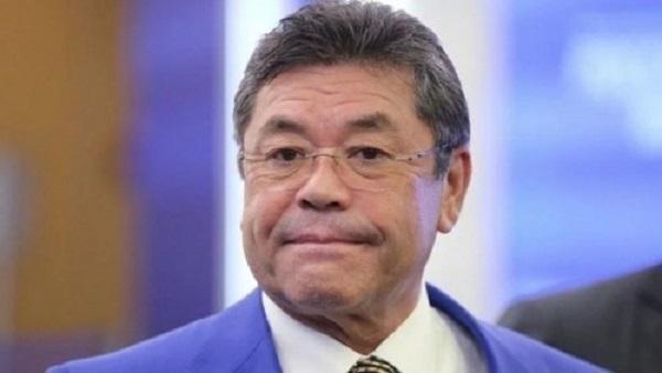 Очевидцы заявили, что на свадьбе у казахского криминального авторитета жгли доллары и евро